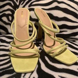 Like new sandal heels